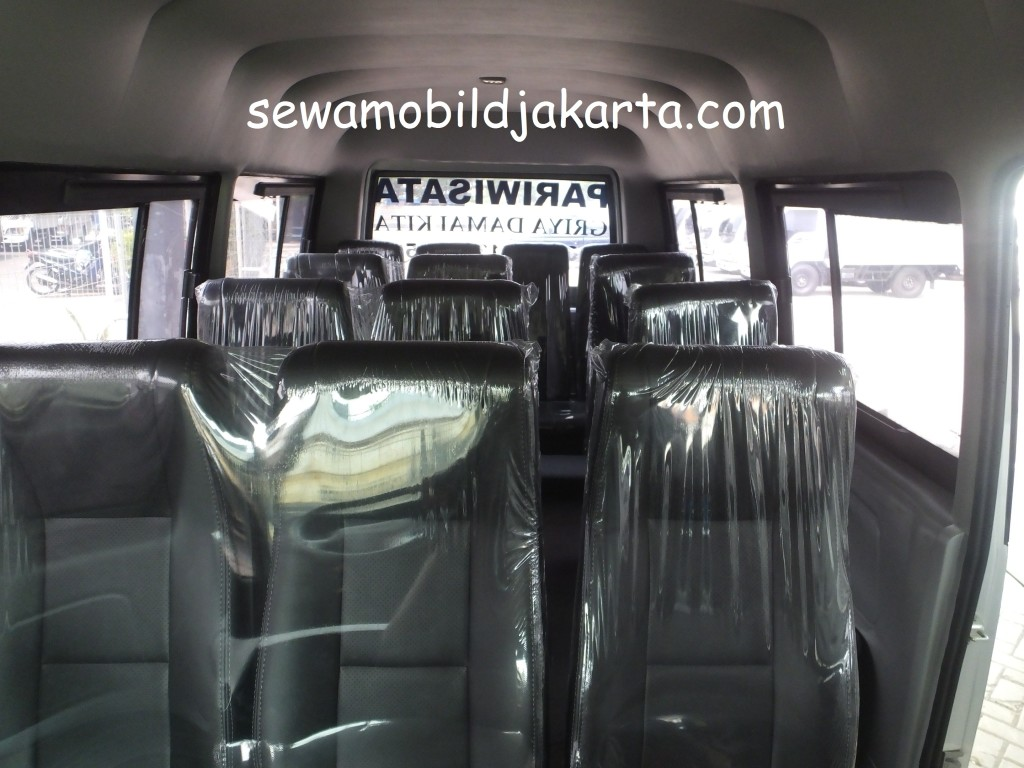 Interior ELF 15 seats